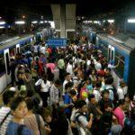 столпотворение в общественном транспорте